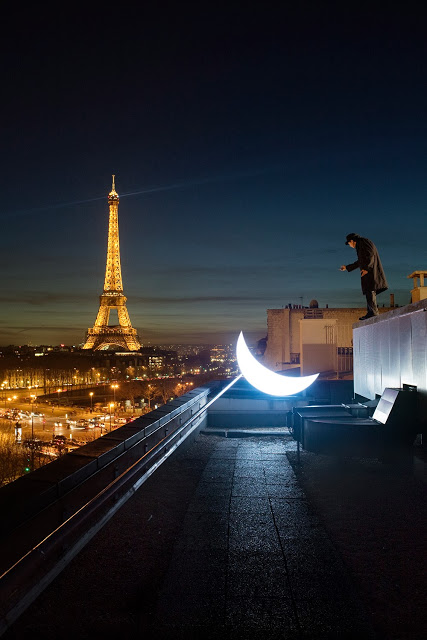 Private Moon in Paris